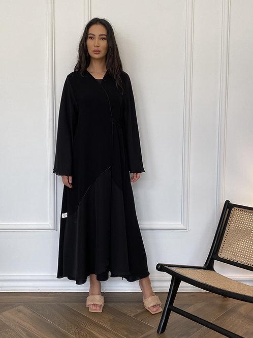 Silk skirt in black