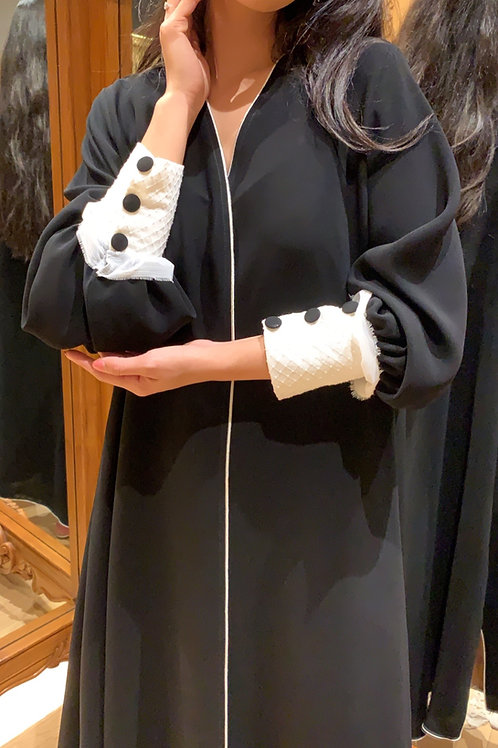 white chiffon sleeves ( Hazm)