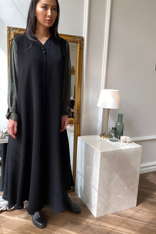simple buttoned sleeve abaya
