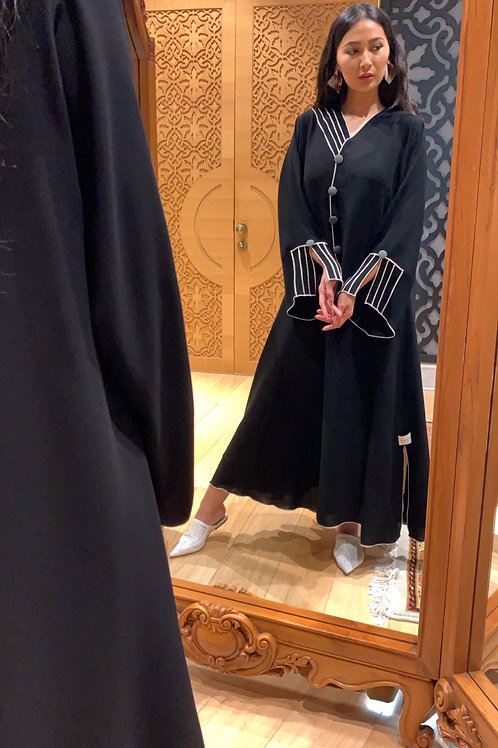 The Shark abaya with grey buttons