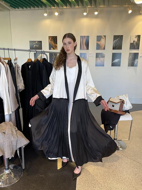 The Valeria abaya