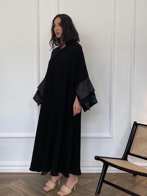 The 3 black layered sleeve