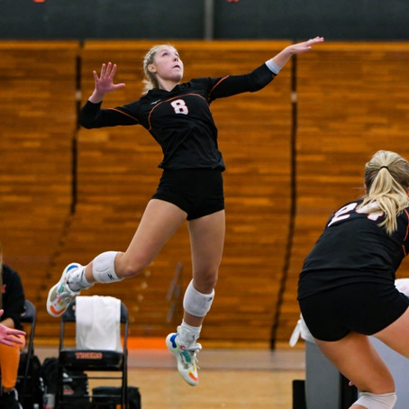 MARSHFIELD VOLLEYBALL SWEEPS MERRILL TO EARN SHARE OF WISCONSIN VALLEY CONFERENCE TITLE
