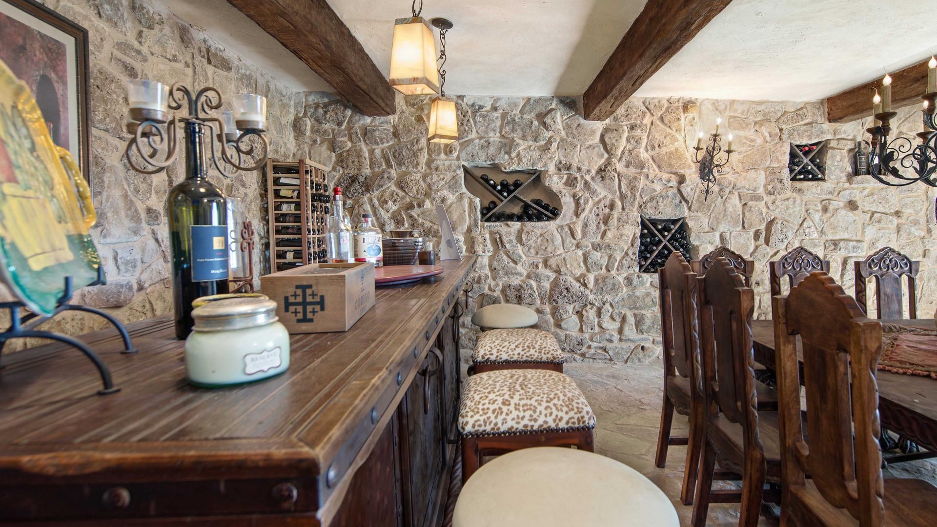 wineroom (6).jpg