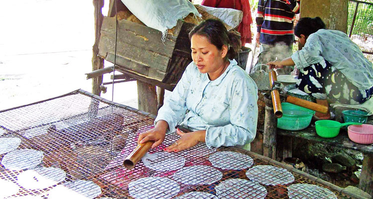 making-rice-paper-village-battambang-750