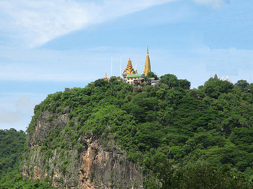battambang_phnom_sampeau_hilltop.jpg