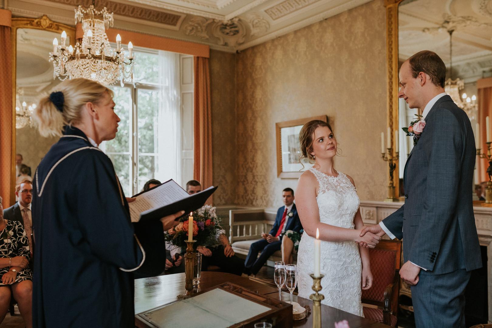 bruiloft-eindhoven-april-zomer-kasteelhoeve-140.jpg