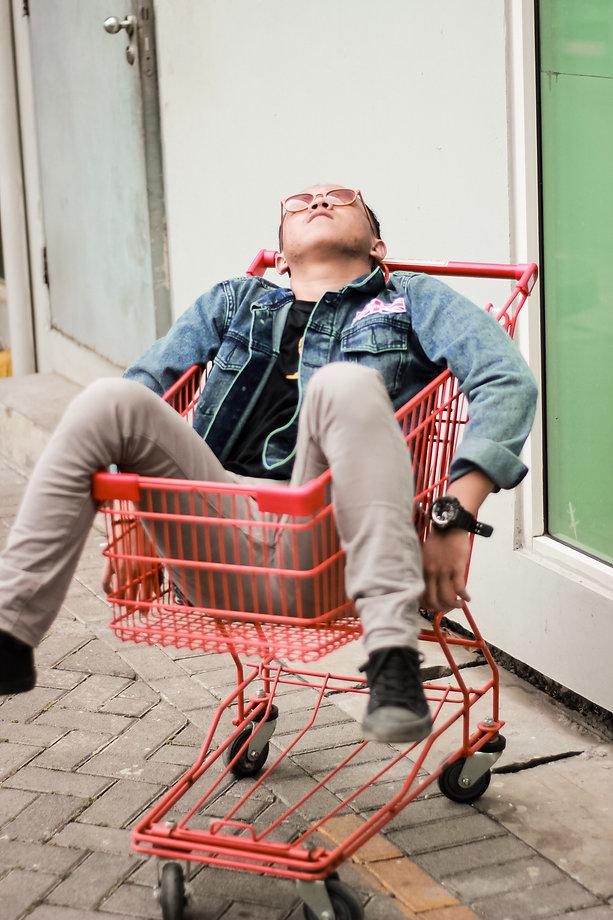 cart-daylight-grocery-cart-2871490.jpg