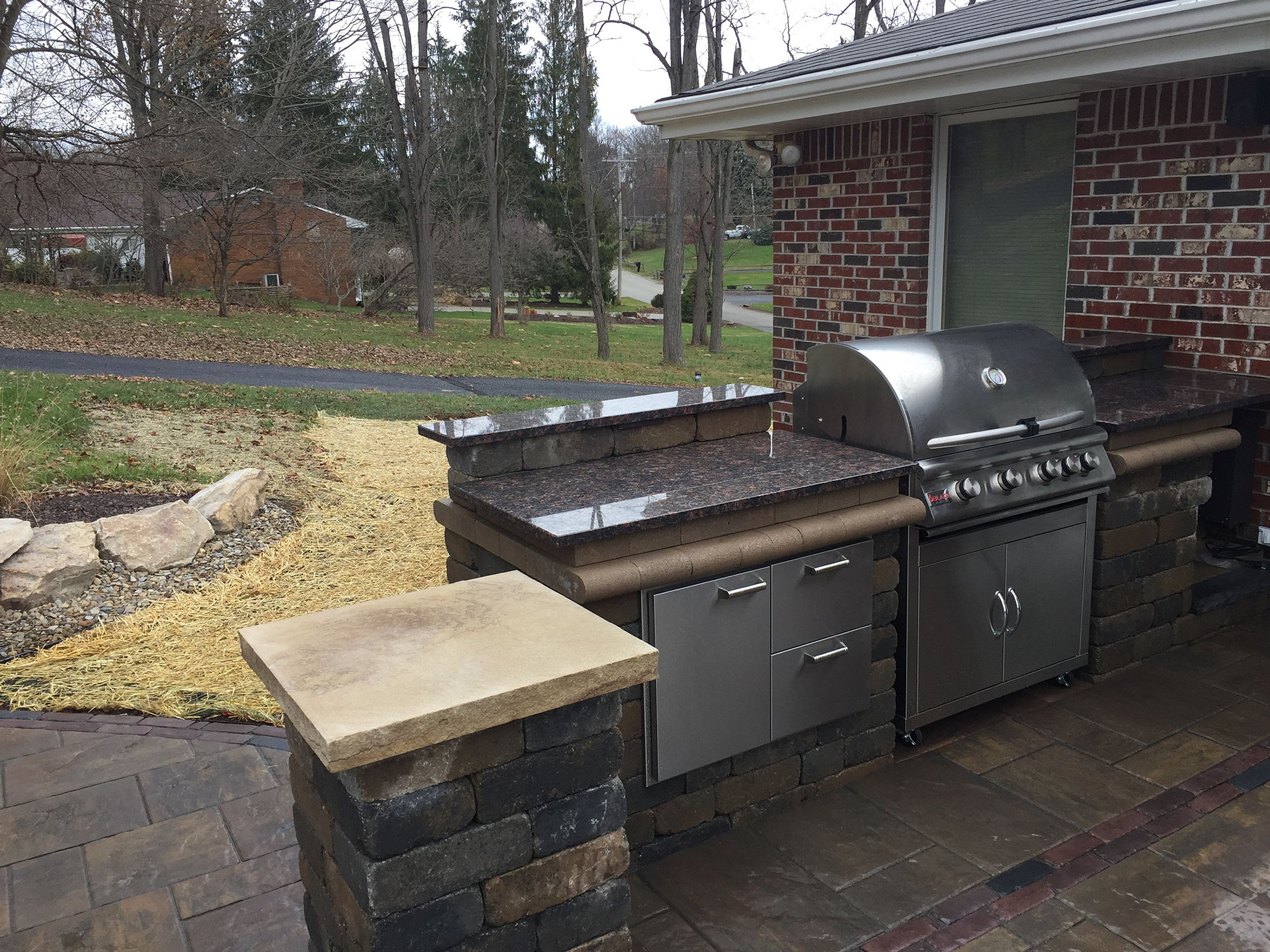 pittsburgh outdoor living grill area