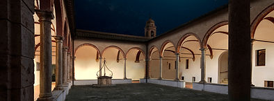 chiostro notte.jpg