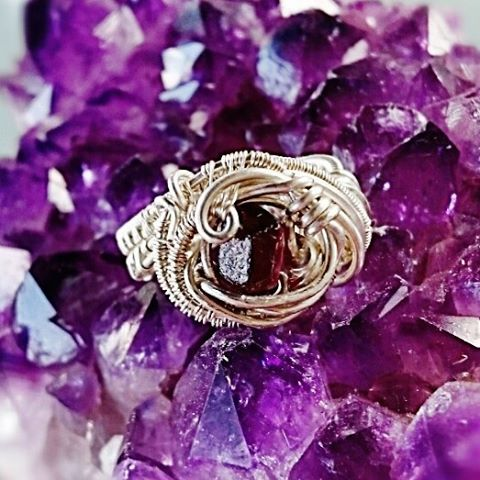 #sterling #silver #wirewrapped #ring #garnet #sterlingsilver #wirewrappedring #wirewrap #wireart #wi