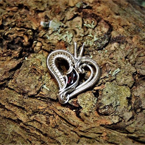 Garnet heart mini pendant