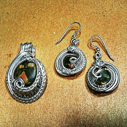 Just finished up this adorable little set! #Jasper #sterling #silver #wirewrapped #jewelryset #earri