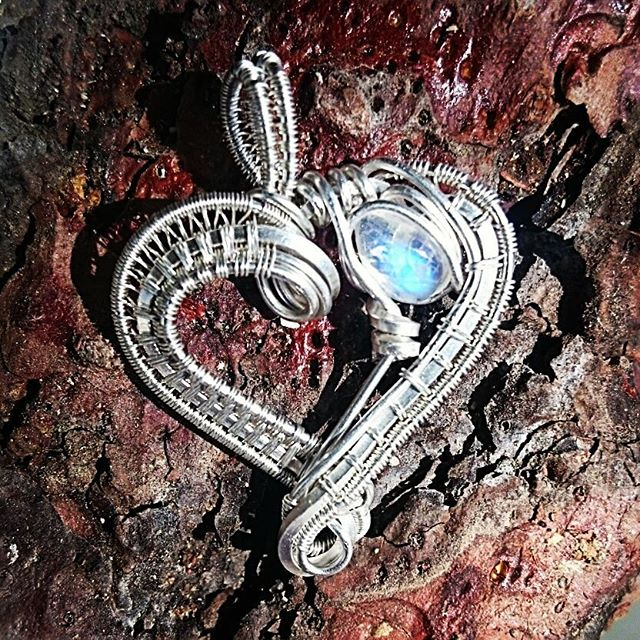 #sterlingsilver #wirewrapped #moonstone #heart #pendant prefect #Christmas #gift! #wirewrap #wireart
