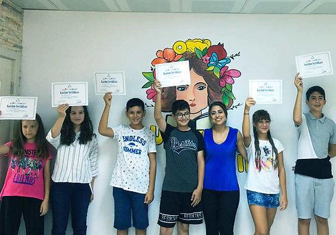 uzman akademi hızlı okuma kursu bakırköy sertifika töreni öğrenciler