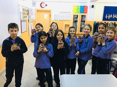 Florya Murat Kölük Ortaokulu'nda devam etmekte olan eğitimlerimiz.
