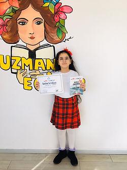 Halkalı küçük yaş mezun sertifika töreni