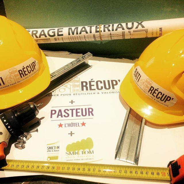 #chantier Pasteur - Les casques et Les plans sont prêts pour commencer le chantier lundi matin!!