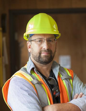 Travailleur avec des lunettes