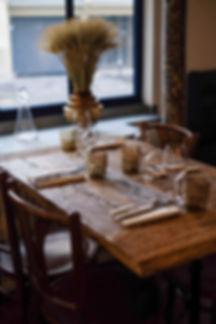 CANDIDE À table