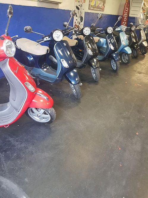 Large choice of Vespa 50cc scooters FROM 1000 EUROS