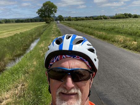 Hello!! Yes, I'm back on my bike again :)