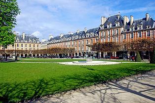 place-des-voges-3.jpg