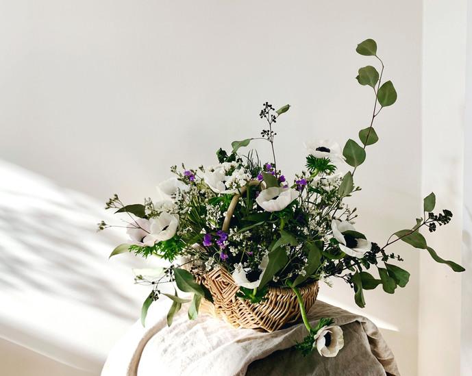 Anemone flower arrangement basket