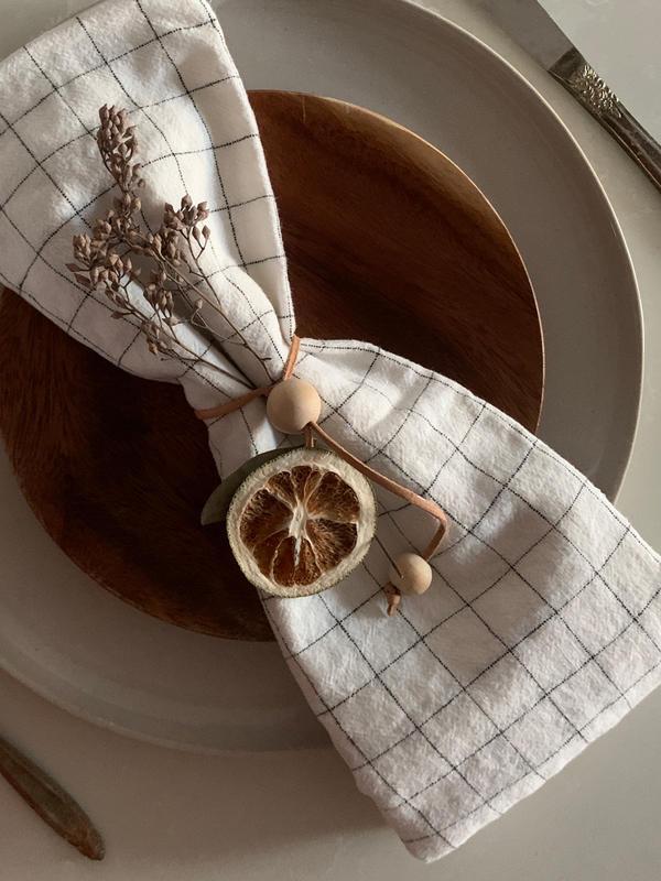 Holiday napkin tie / ornaments