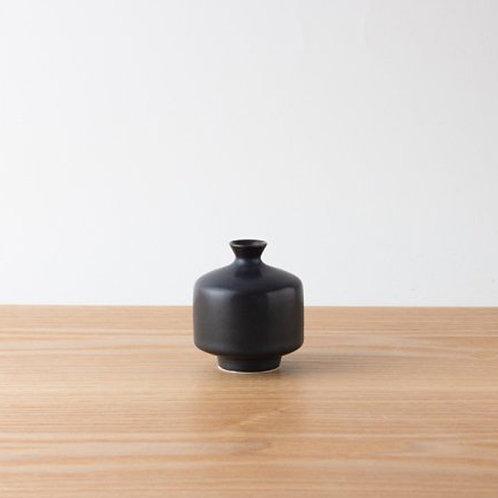 Aritaware mini vase