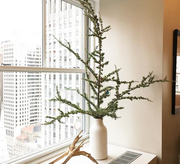 Christmas tree arrangement.jpg