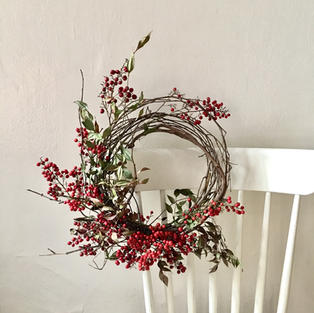 Dried red berry wreath