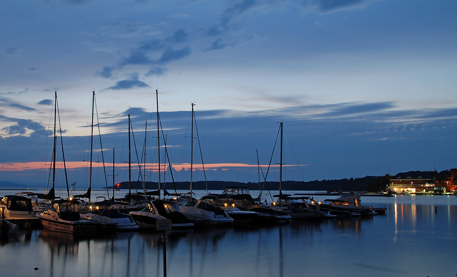 Naimul Karim Naim personal website photography Lake Champlain Vermont dusk aquamarine boat blue red sky sunset