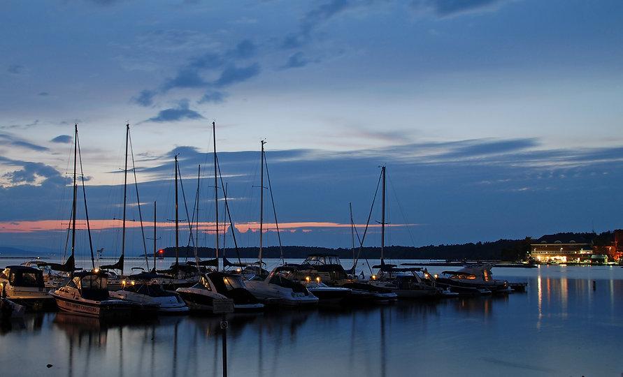 Naimul Karim Naim personal website photography Lake Champlain Vermont dusk aquamarine boat blue red sky sunset