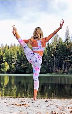 Mountain yogini.2