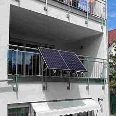balkonkraftwerk-300watt-stecker.jpg