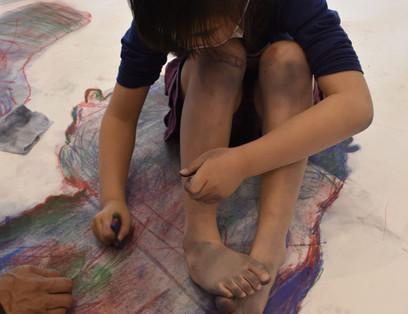 色の影で自分を描こう