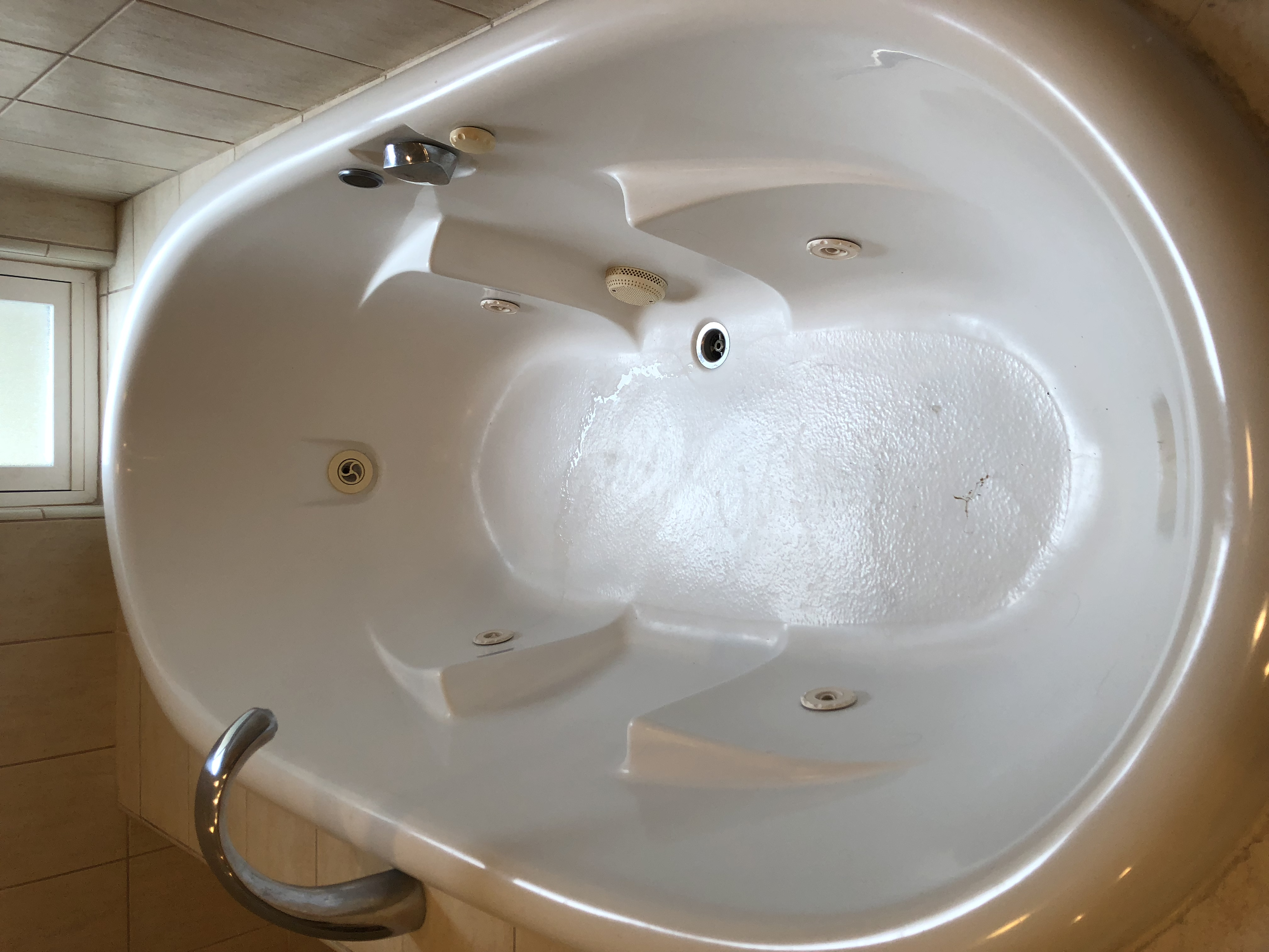 Fiberglass Bathtub Repair