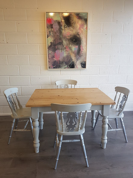 Marilyn Monroe Table and Four Chairs