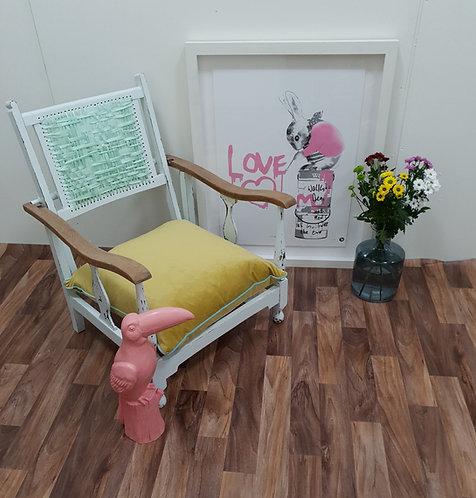 Elma Antique Nursing Chair