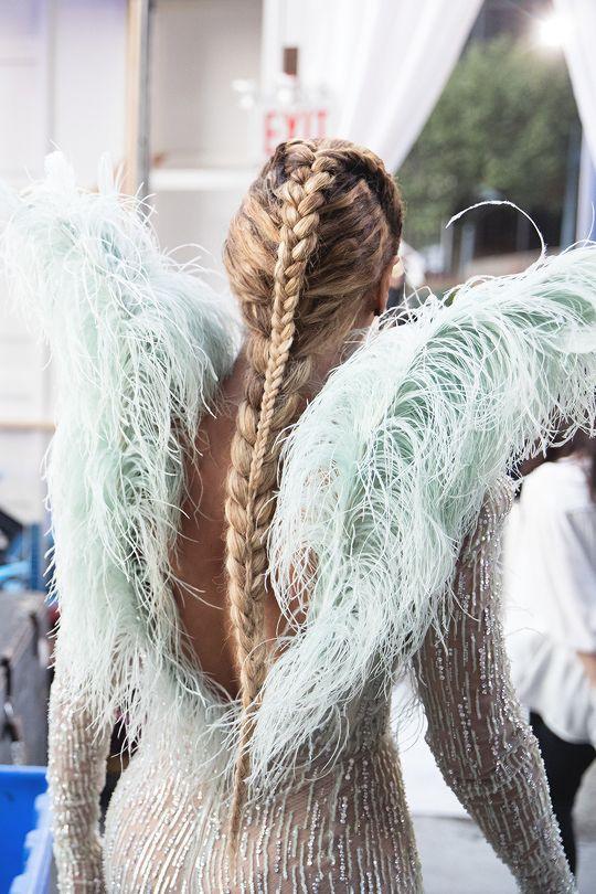 Beyoncé plaited hair