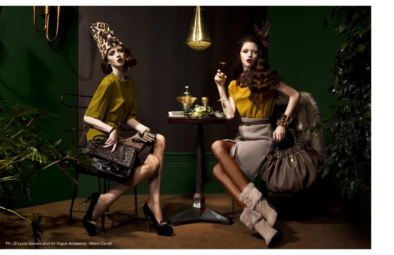 Voir Fashion Magazine Issue 8 - In Focus feature Ph : © Lucia Giacani shot for Vogue Accessory : Mario Cerutti