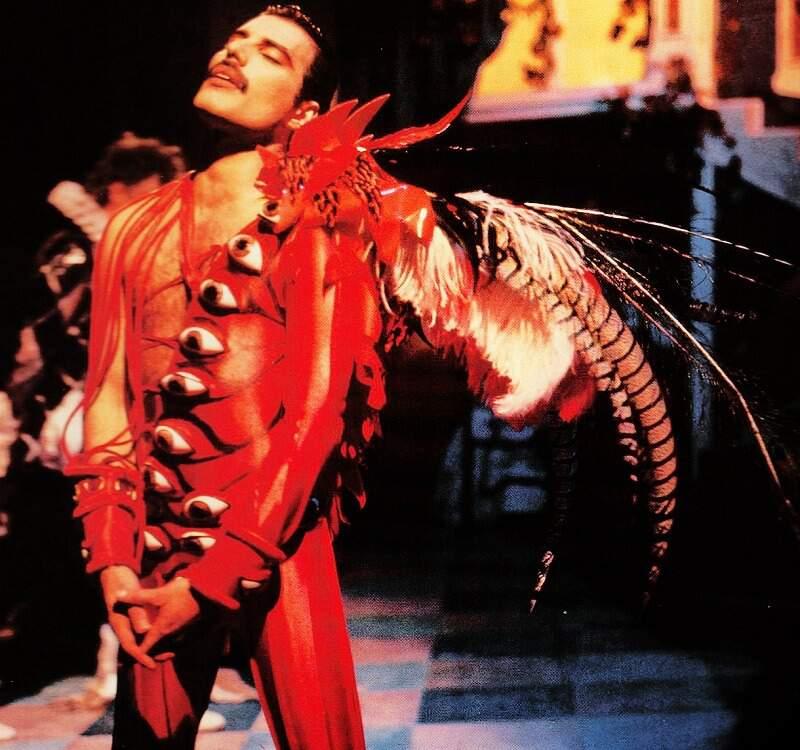 Freddie prawn costume2