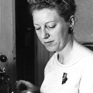 Ellen Eff at the typewriter