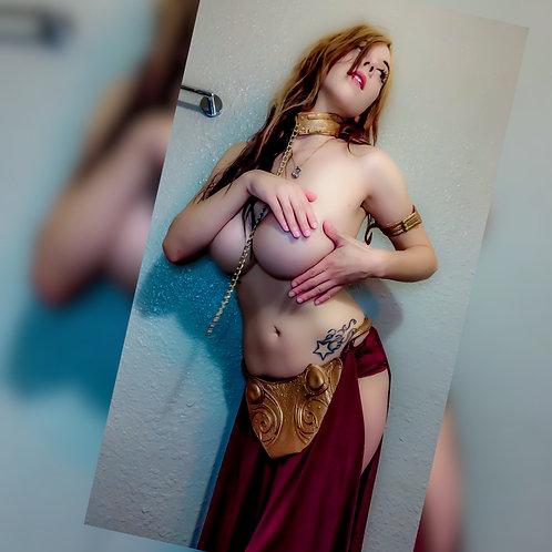 SLAVE LEIA - large set of pics