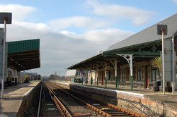 Front on trackside image Barmouth Station