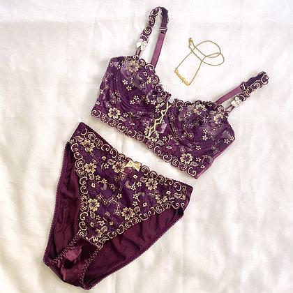 Hadès   French lingerie set
