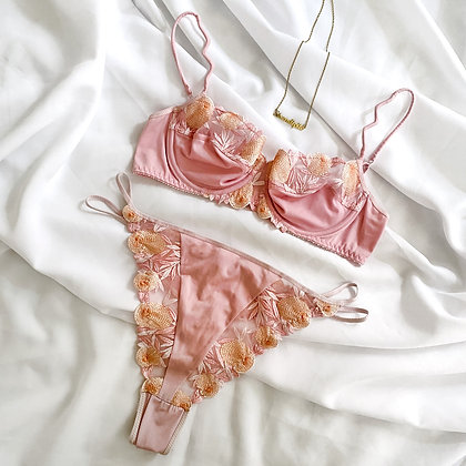 Aster ❘ French luxury lingerie set