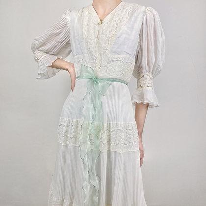 Mesmerizing french prairie dress