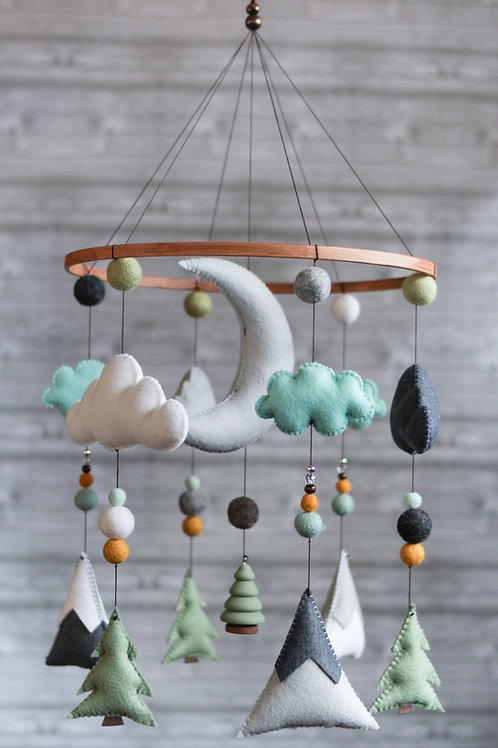SAGE AND MINT | WOODLAND MOBILE
